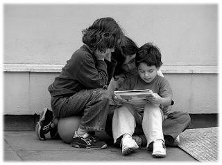 bambini che leggono-790610