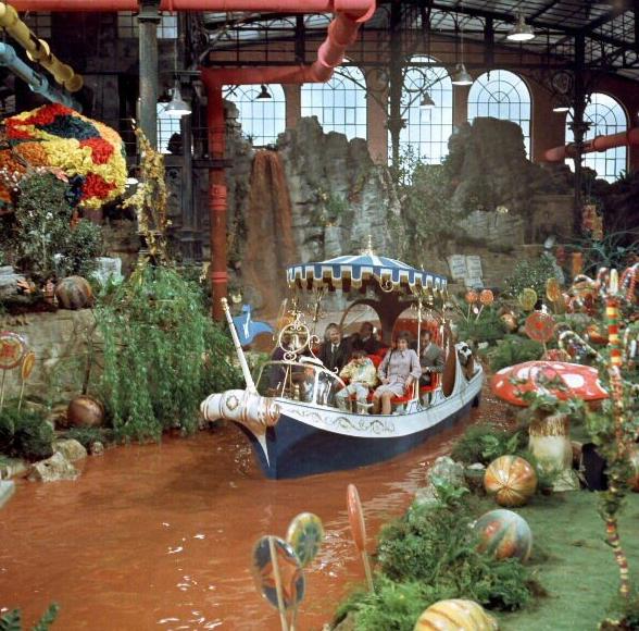Willy-Wonka-e-la-fabbrica-di-cioccolato-Foto-Dal-Film-08